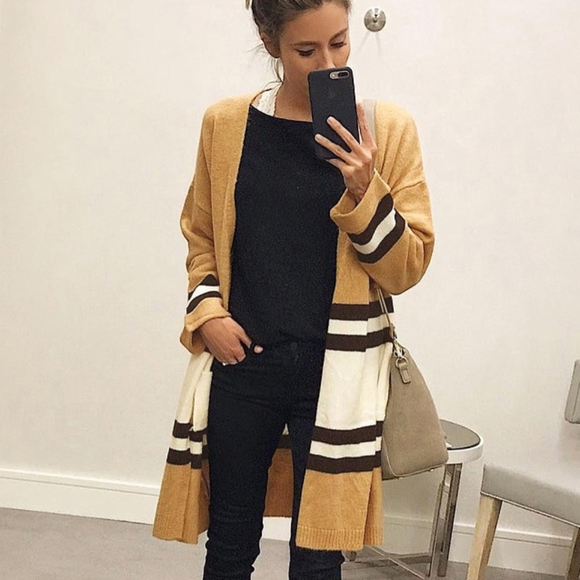 Sweaters - long sleeve knit cardigan